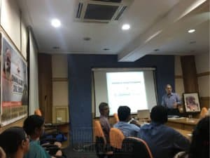 Faculty giving explanation on guest lecture at Chinmaya IAS Academy in Chennai